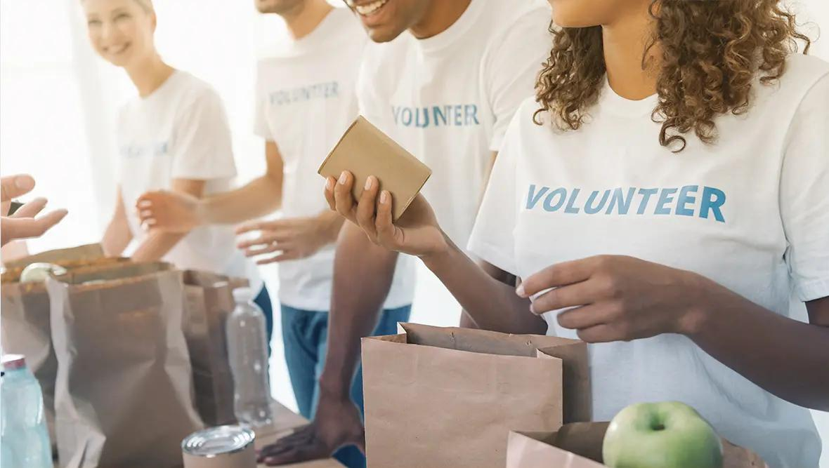 8 Ways to Volunteer to End Hunger