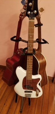 2 acoustic guitars and a bass