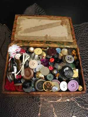 Box containing buttons