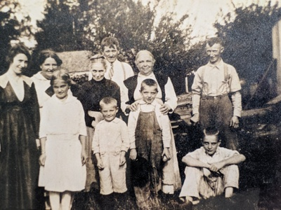 Everybody wearing their best. Anastasia stands with members of the Dwyer and Kehoe clan sometime after 1900. Sarah Kehoe, Daniel's wife, back row, right in white.