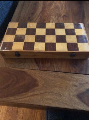 Closed chess board