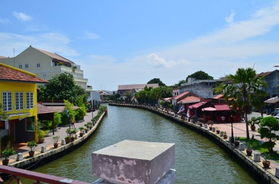 This is the Malacca River that runs through Malacca City, it was a vital trade route back in the 15th century.