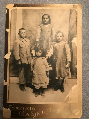 Immigrant's family photo from Italy