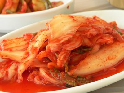 A cabbage kimchi dish.