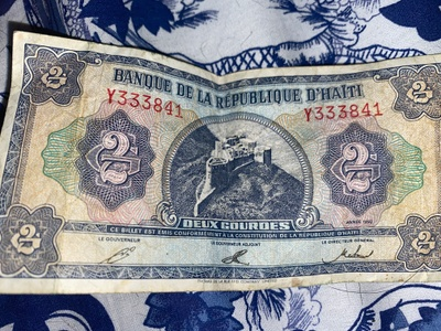 This a 2 dollar bill from haiti