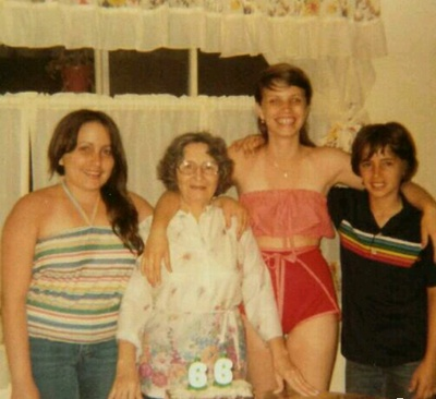(L to R) Aunt, Great Grandma, Mom, Uncle