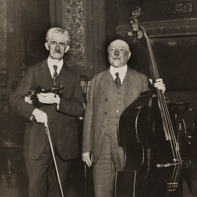 Ludwig Manoly (right) with music librarian Henry Boewig at Carnegie Hall