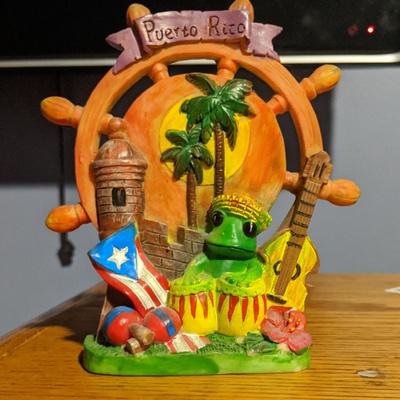 Puerto Rico frog statue
