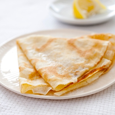 Crêpe with butter and lemon