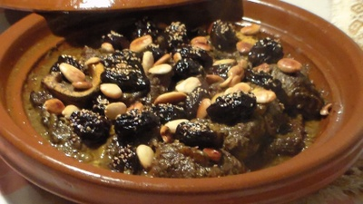 tajine with lamb and caramelized prunes