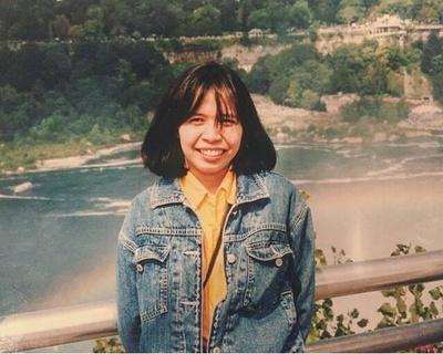 1992: Delia visits Niagara Falls