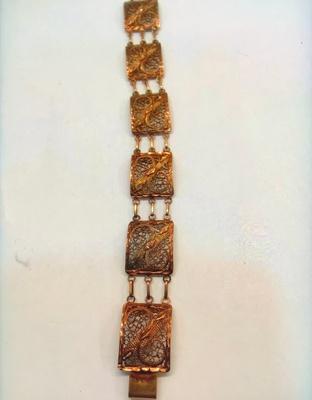 Great great great grandma's bracelet.