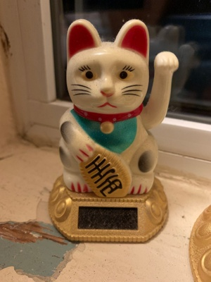 Chinese lucky cat charm/beckoning cat