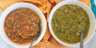 Salsa roja and salsa verde.