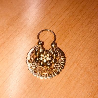 Gold Arracadas ( size: Medium )