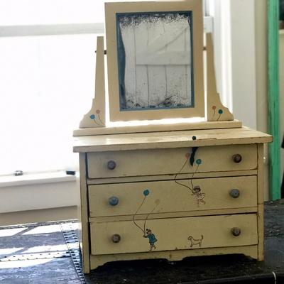 The doll dresser