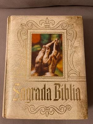 This book is called La Sagrada Biblia.
