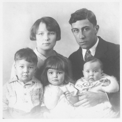Martinez family portrait 1927